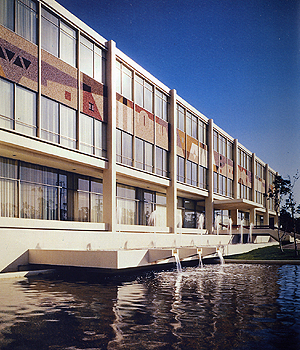 "welton becket and associates office, century city, 1960 (credit: ""built by becket: centennial celebration"" los angeles conservancy modern committee, 2003)"