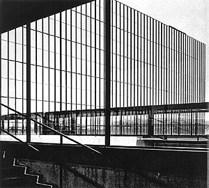 fig 1 : Bell Labs (detail), Holmdel, New Jersey. Eero Saarinen and Associates. design 1956, completion 1962, addition 1967 (credit: Yukio Futagawa in Rupert Spade, Eero Saarinen (New York: Simon and Schuster, 1971) fig.36)